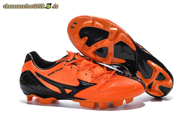 Buy Chaussure Mizuno MD Noir Orange - Crampon de Foot
