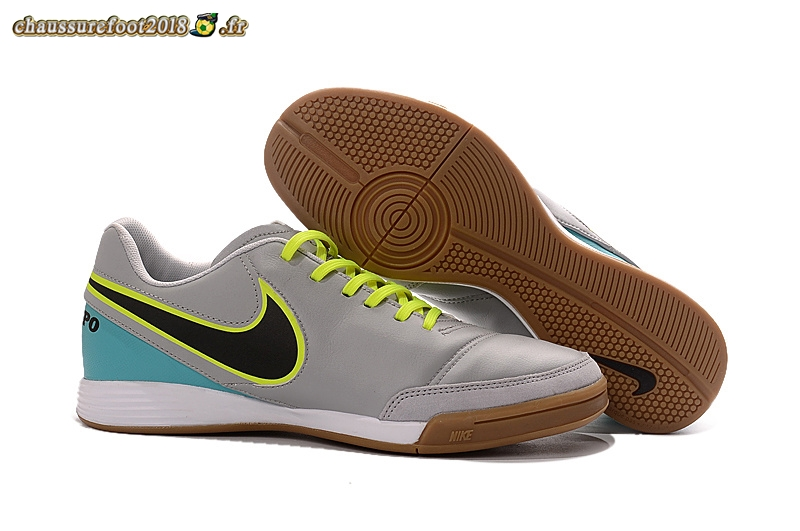 Chaussure Foot Promo - Chaussure Nike Tiempo Mystic V INIC Gris - Crampon de Foot