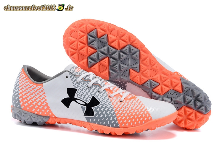 Site Crampons Foot - Chaussure Under Armour Clutchfit Force TF Gris Blanc Rouge - Chaussures de Foot